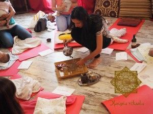11709719_993491900671133_1637973265802203210_n-300x225 Curso de masaje para bebes, fiesta original Kainis rituals
