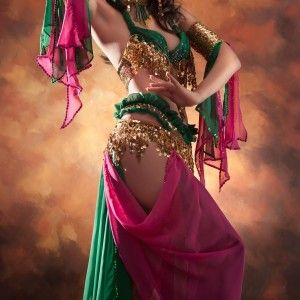 danza-oriental-1360x1311-300x300 danza-oriental-1360x1311