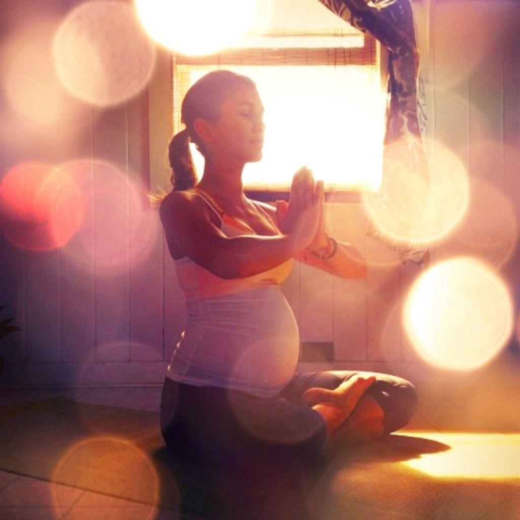 """prenatal_yoga_baby_meditation_pregnant_-1 Seminario Kundalini Yoga """"Embarazo Feliz"""""""