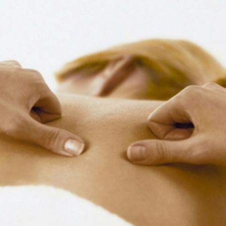 masaje-terapeutico-terrassa-sabadell-450x450 Masajes y Terapias